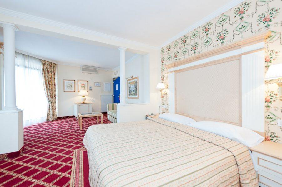 doppelzimmer relax whirlpool und dampfdusche jacuzzi businessresort parkhotel werth. Black Bedroom Furniture Sets. Home Design Ideas