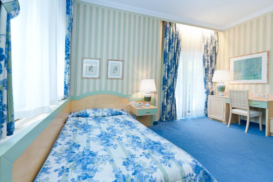 einbettzimmer businessresort parkhotel werth bozen s dtirol. Black Bedroom Furniture Sets. Home Design Ideas